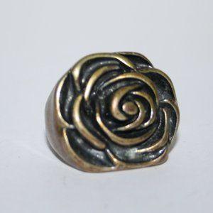 Beautiful bronze rose ring size 7